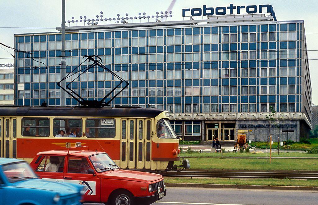 Volkseigener Betrieb Kombinat Robotron Dresden, 1990